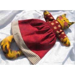 Cica lány textilből