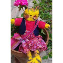 Textil cica lány, levehető ruhával
